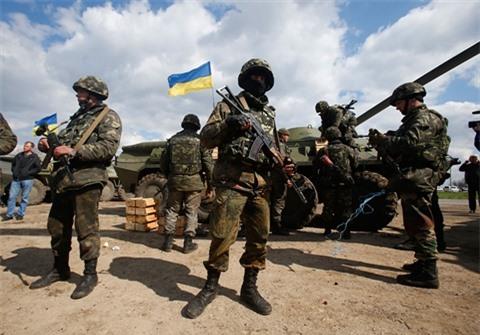 Chuyen gia tiet lo vai tro NATO neu Ukraine tan cong Donbass