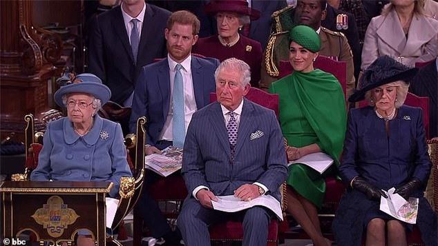 Nữ hoàng Anh công bố thông tin mới,