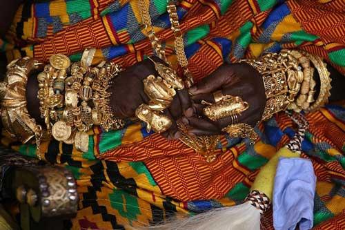 Bí ẩn bộ tộc sống trên mảnh đất vàng của châu Phi