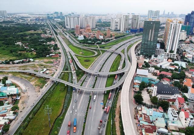 Thu hồi, đấu giá đất hai bên đường mới sẽ giúp TP.HCM thu về khoản tiền lớn đầu tư hạ tầng