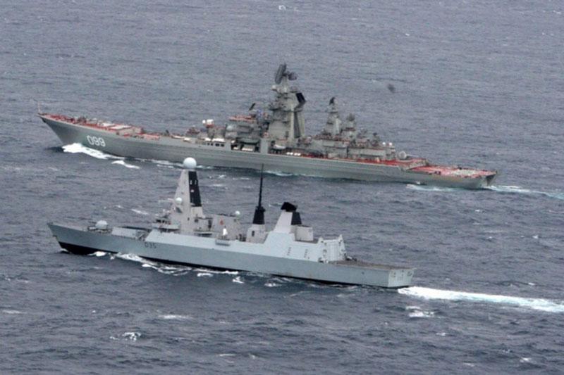 Nga điều tàu của Hạm đội Biển Đen đánh chặn 4 tàu NATO và đưa hệ thống tên lửa vào trạng thái sẵn sàng chiến đấu