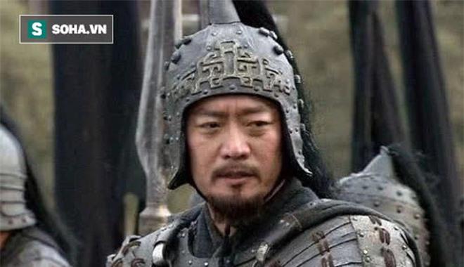 Thừa biết đối thủ kém hơn mình, Quan Vũ vẫn nói với Trương Phi Võ nghệ của người này không hề thua kém chúng ta, người này là ai? - Ảnh 2.