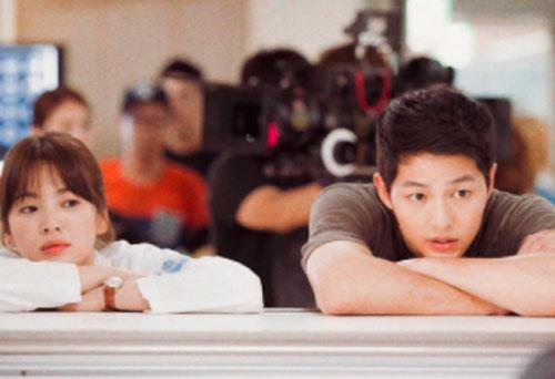 Ly hôn Song Hye Kyo, vận may của Song Joong Ki cũng kết thúc, bạn bè thân thiết cũng rời đi?