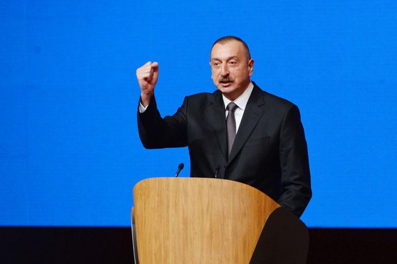 Tổng thống Aliyev đe dọa Armenia và Nga bằng nắm đấm