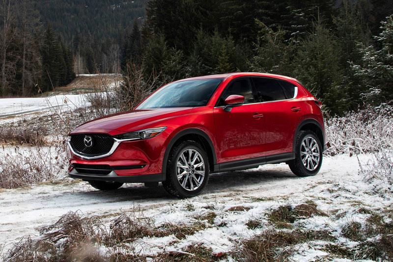 =3. Mazda CX-5 2021 (giá khởi điểm: 25.270 USD, điểm an toàn: 9,9/10).