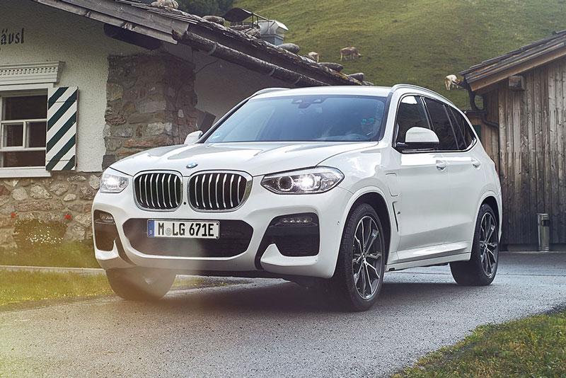 =6. BMW X3 2021 (giá khởi điểm: 43.000 USD, điểm an toàn: 9,8/10).