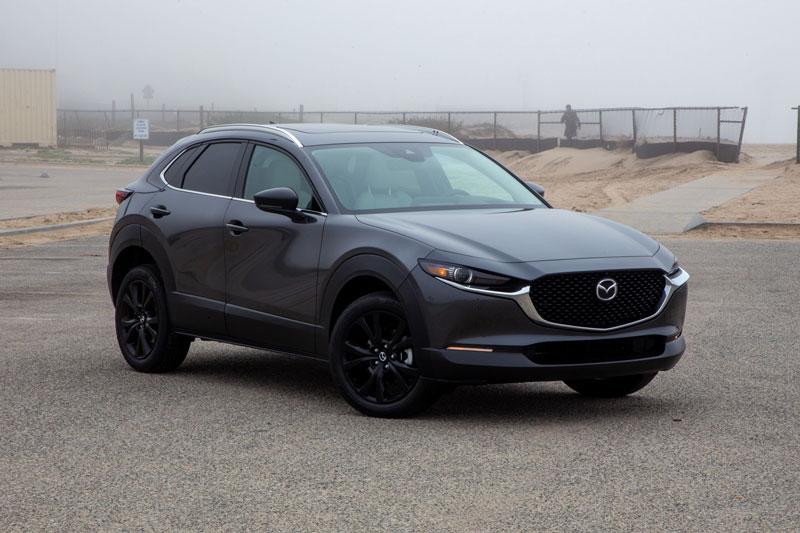 =6. Mazda CX-30 2021 (giá khởi điểm: 29.900 USD, điểm an toàn: 9,8/10).