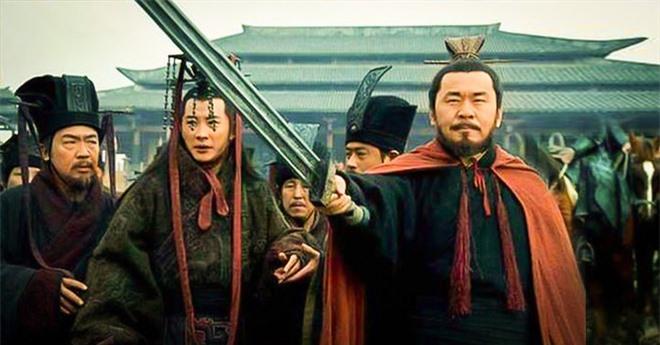 Lần lượt đoạt mạng 6 mưu sĩ, cái chết của người thứ 6 khiến Tào Tháo tổn thất nghiêm trọng - Ảnh 2.