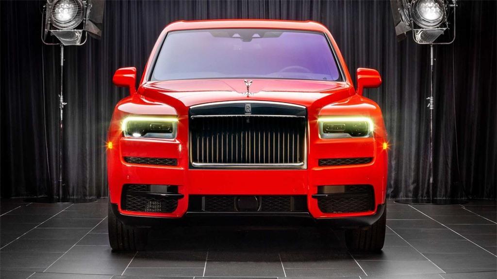 Rolls-Royce Cullinan co them 8 mau ngoai that moi anh 2