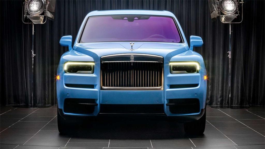 Rolls-Royce Cullinan co them 8 mau ngoai that moi anh 5