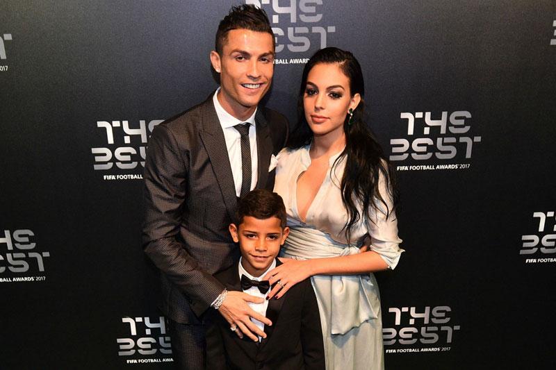 Top 10 nàng WAGs nổi tiếng nhất trên mạng xã hội: Bạn gái Ronaldo xếp sau ai?
