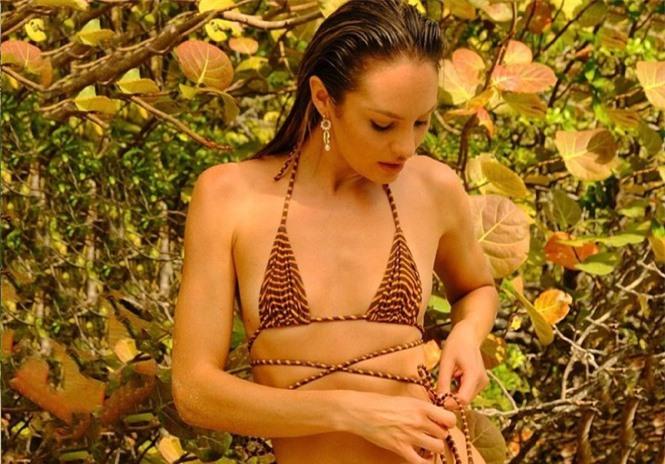 Sắc vóc nóng bỏng rực lửa của siêu mẫu Nam Phi Candice Swanepoel  - ảnh 8