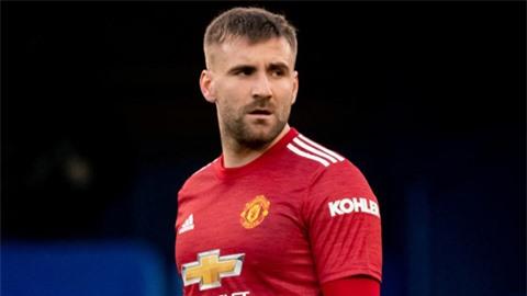 Shaw có thể bị cấm thi đấu sau phát ngôn về trọng tài ở trận Chelsea vs MU