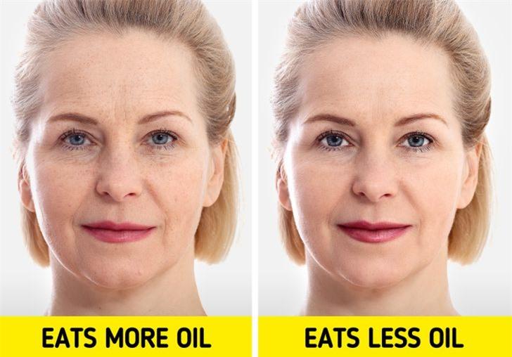 Dầu thực vật: Cắt giảm lượng dầu thực vật chúng ta sử dụng có thể giúp ích cho làn da của chúng ta. Bởi vì dầu chứa nhiều chất béo chuyển hóa, nó thực sự gây viêm, có nghĩa là da của chúng ta yếu hơn trước tác hại của tia UV. Điều này có thể để lại cho chúng ta nếp nhăn và các đốm đồi mồi do da không thể tự bảo vệ đúng cách.