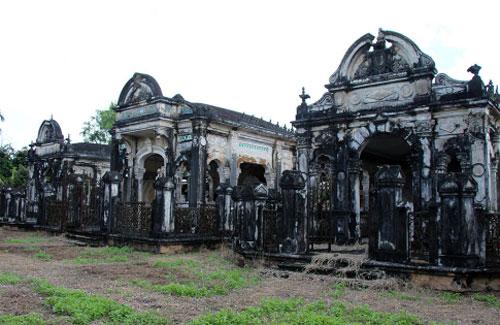 Bí ẩn về khu mộ cổ hoành tráng như cung điện ở miền Tây