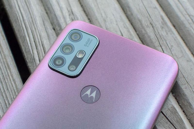 Ngắm smartphone chống nước, 4 camera sau, pin 'trâu', RAM 6 GB, giá hơn 5 triệu