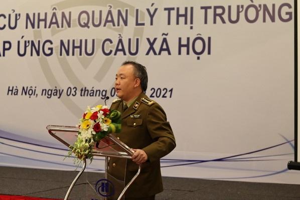 Tổng cục trưởng Tổng cục Quản lý thị trường Trần Hữu Linh.