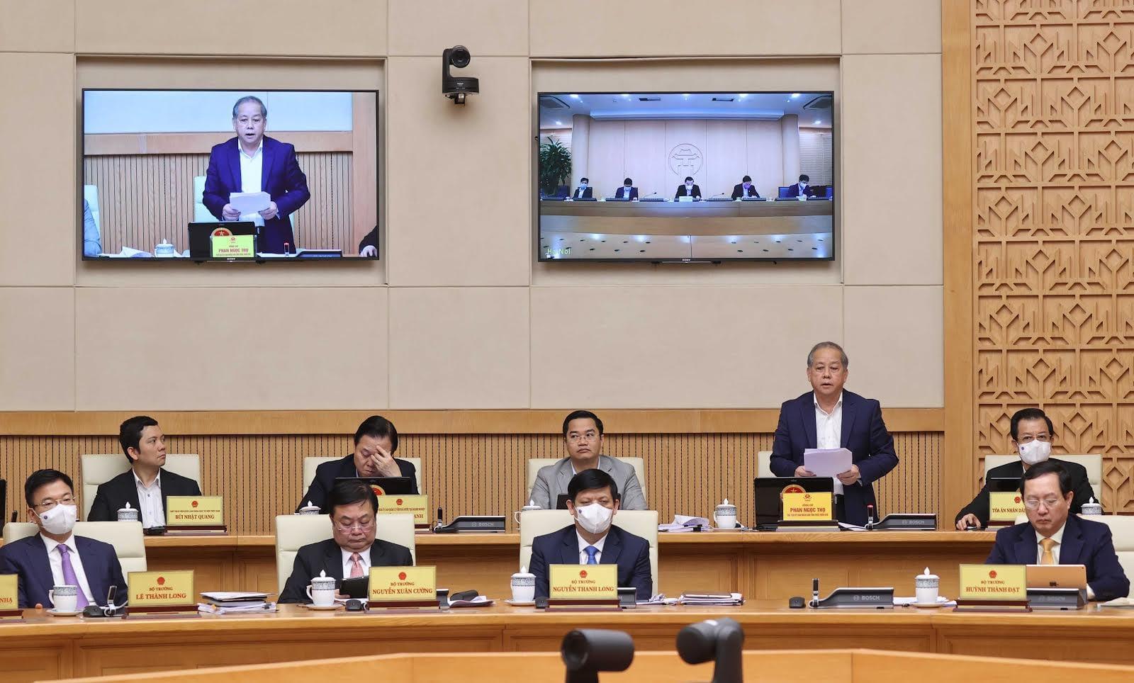 Chủ tịch UBND tỉnh Thừa Thiên Huế Phan Ngọc Thọ báo cáo Đề án Cơ chế chính sách đặc thù xây dựng Thừa Thiên Huế trở thành thành phố trực thuộc Trung ương, tại Phiên họp Chính phủ thường kỳ tháng 2/2021.