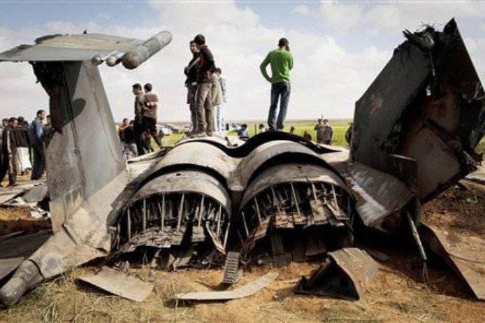 Houthis dùng UAV cảm tử tiêu diệt hai máy bay chiến đấu F-15