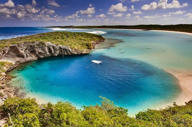 Ngắm hố xanh sâu nhất thế giới