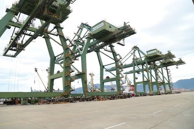 Tàu vào cảng Sơn Dương nhập quặng sắt cho Formosa Hà Tĩnh