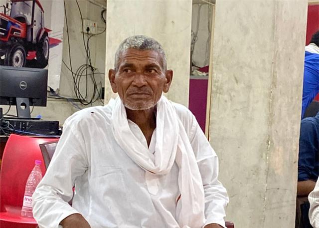 Quyết tâm đi đào kênh dẫn nước về làng, cụ ông bị vợ và mọi người mỉa mai là gã điên, 30 năm sau phải quay lại cảm tạ ông - Ảnh 5.