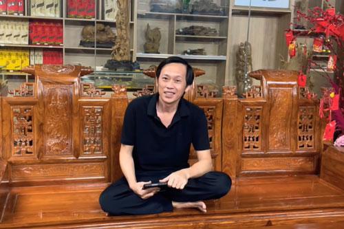 Hoài Linh than trời với con trai nuôi: 'Đúng là nghiệp quật tôi mà!'