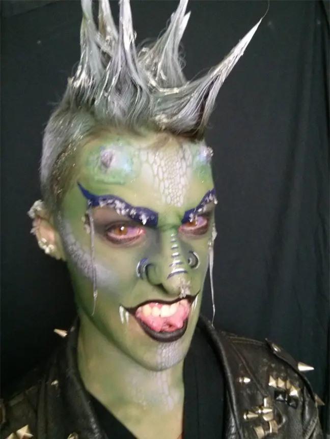 Chán làm người, anh chàng Canada chi hẳn 355 triệu để đại tu cơ thể thành một con rồng - Ảnh 2.