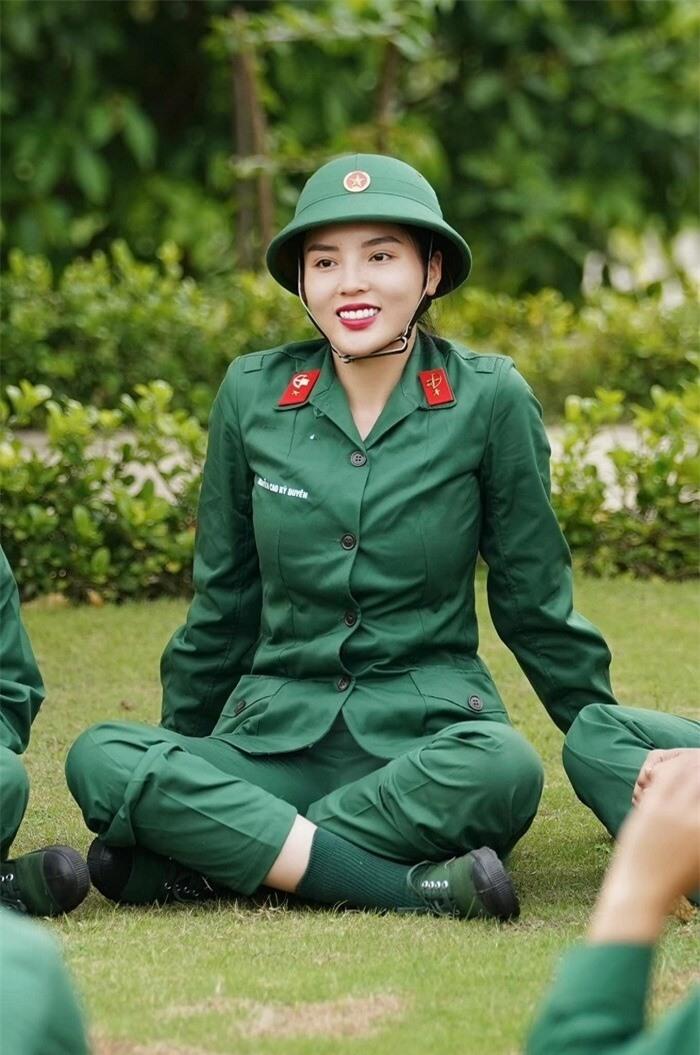 Những khoảnh khắc đáng yêu của Hoa hậu Kỳ Duyên trong 'Sao nhập ngũ' - ảnh 4