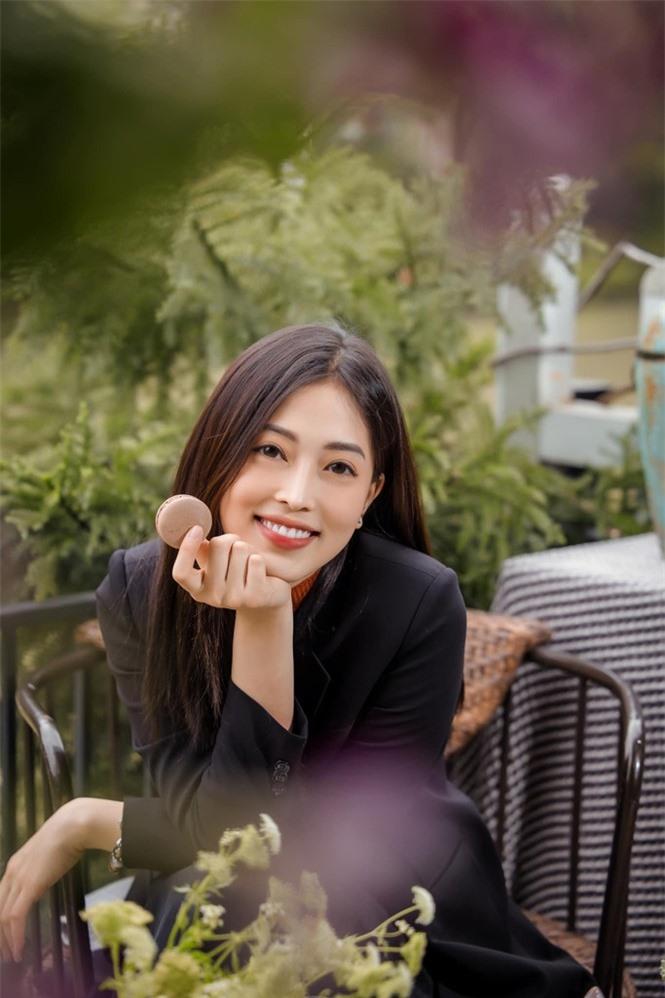 Top 3 Hoa hậu Việt Nam 2018: Tiểu Vy thần thái sang chảnh, Phương Nga-Thúy An ngày càng quyến rũ - ảnh 7