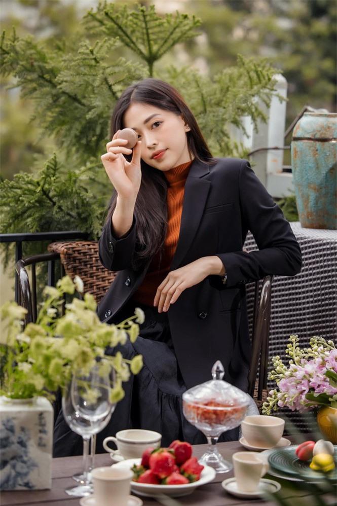 Top 3 Hoa hậu Việt Nam 2018: Tiểu Vy thần thái sang chảnh, Phương Nga-Thúy An ngày càng quyến rũ - ảnh 9