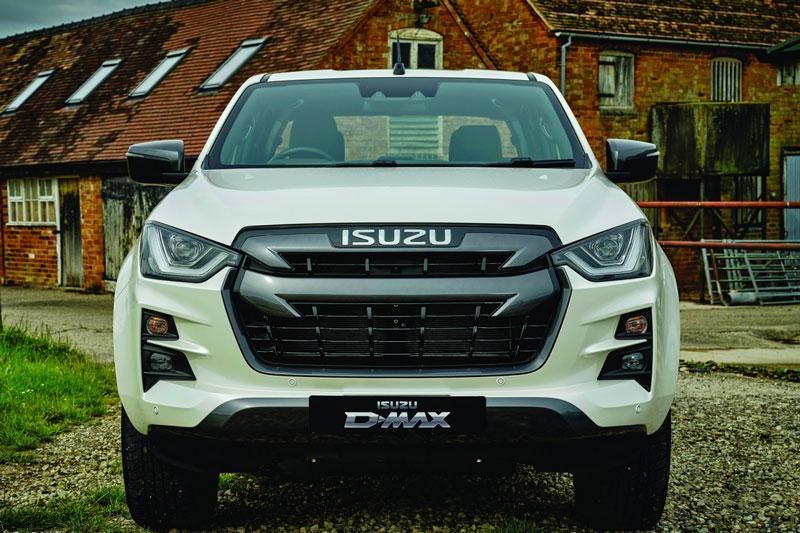 Isuzu D-Max 2021 chốt giá gần 700 triệu đồng, cạnh tranh với Ford Ranger, Toyota Hilux