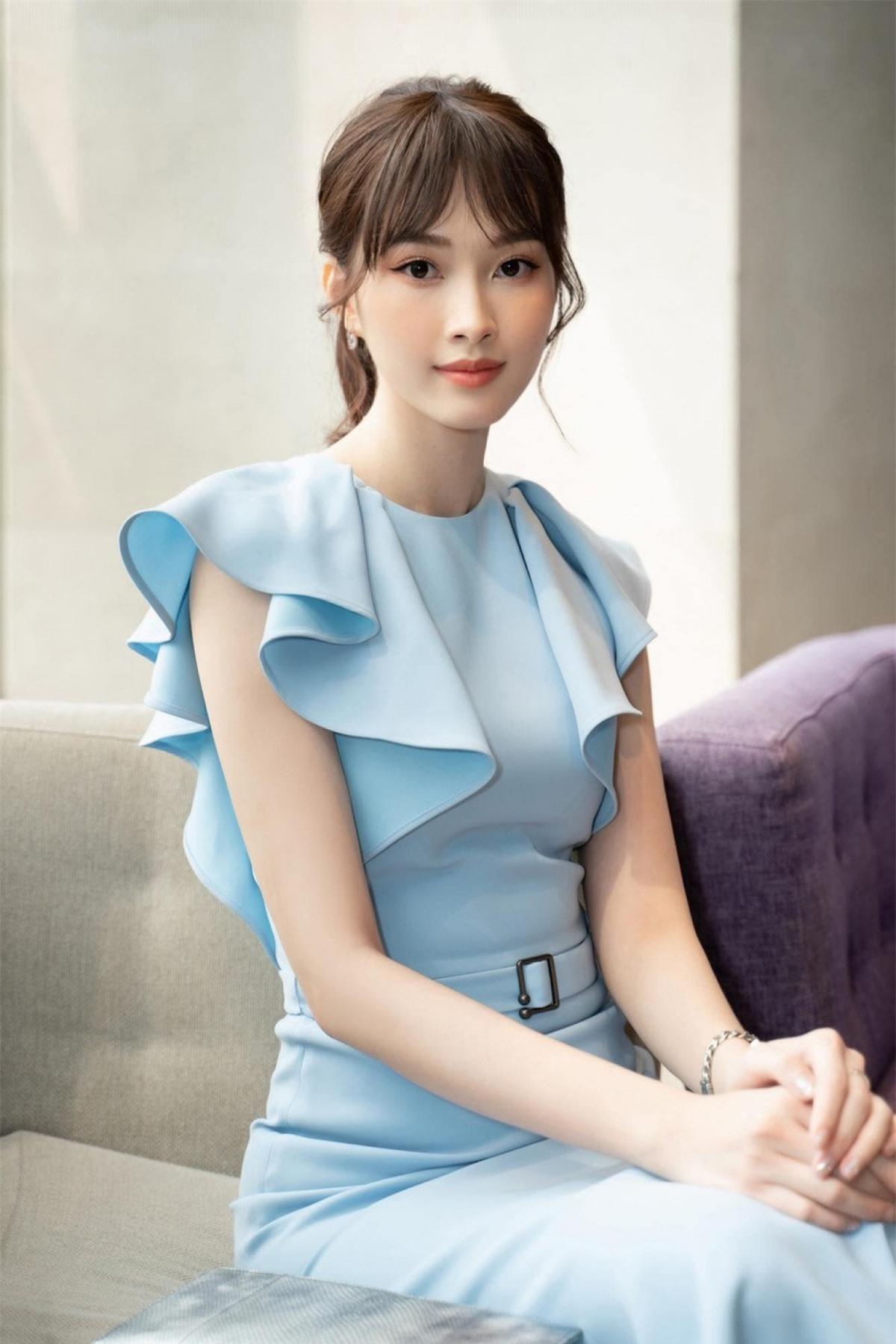 Sau nhiều năm được fans ưu ái dành tặng danh hiệu 'thần tiên tỷ tỷ', Đặng Thu Thảo vẫn giữ vững phong độ và là một trong những nàng hậu được mến mộ nhất hiện nay.