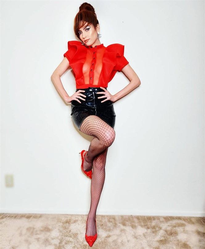 Sao Hollywood Blanca Blanco táo bạo với áo voan xuyên thấu - ảnh 3
