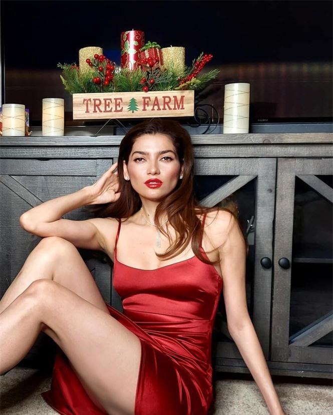 Sao Hollywood Blanca Blanco táo bạo với áo voan xuyên thấu - ảnh 4