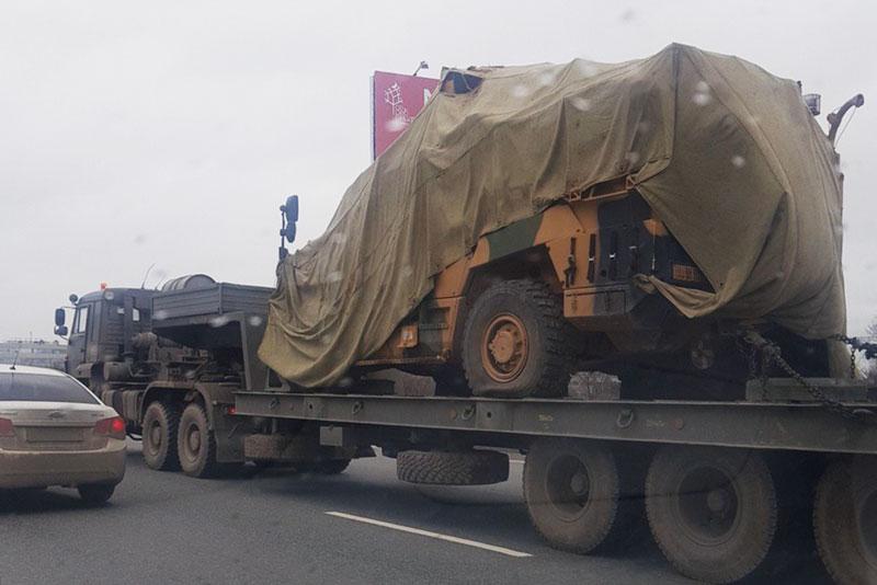 """Quân đội Nga tìm hiểu """"lỗ hổng"""" của xe bọc thép Thổ Nhĩ Kỳ sau khi thu giữ nó ở Syria"""