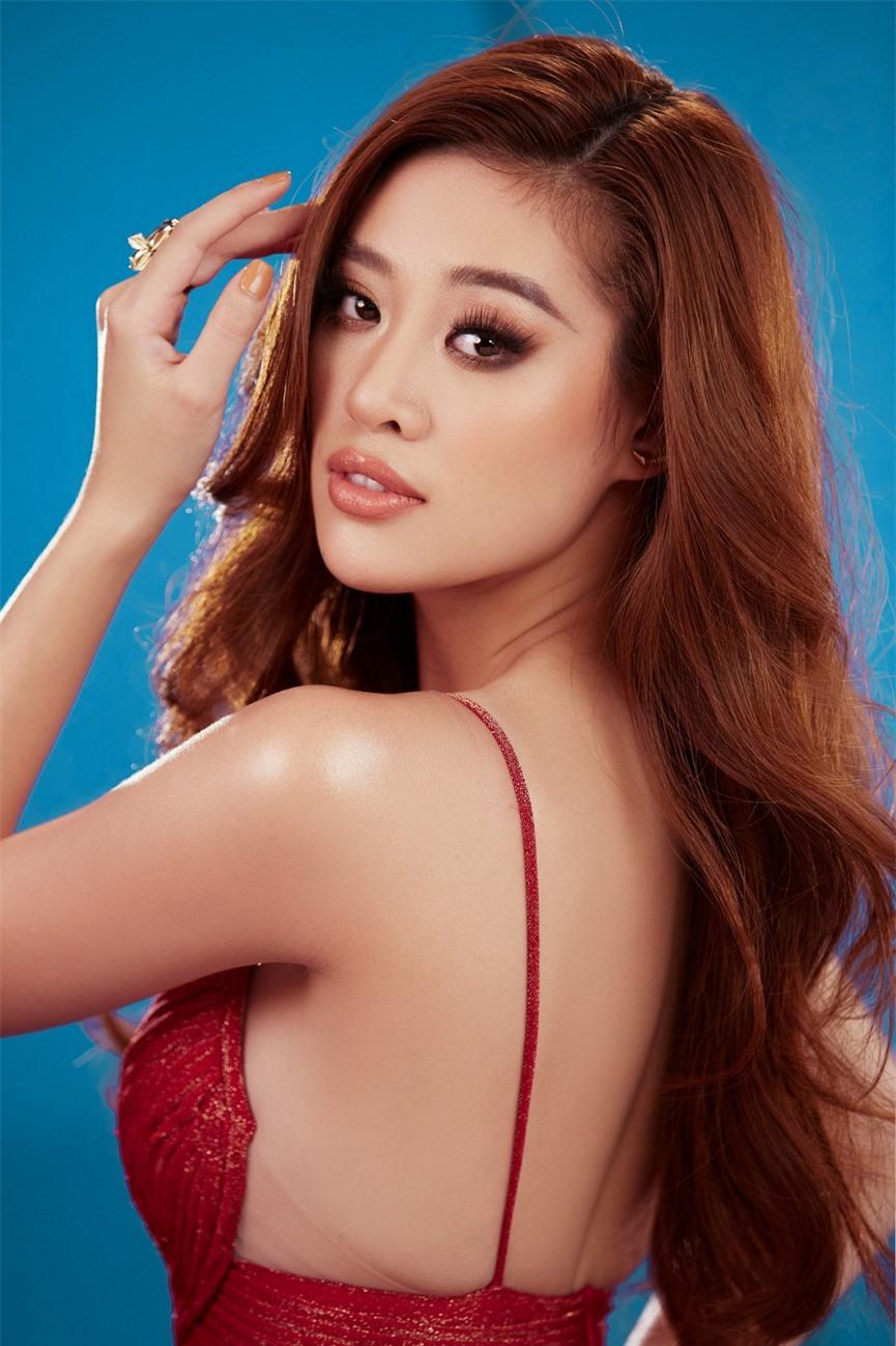 Khánh Vân 'chơi trội' với 5 lay-out nổi bật, quyết tâm 'gây bão' tại Miss Universe 2021  - ảnh 1
