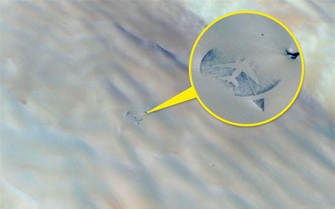 Từ di tích tới hình vẽ bí ẩn của người ngoài hành tinh: Những địa điểm cực dị và bí ẩn chỉ được thế giới biết đến kể từ khi... Google Maps ra đời - Ảnh 7.