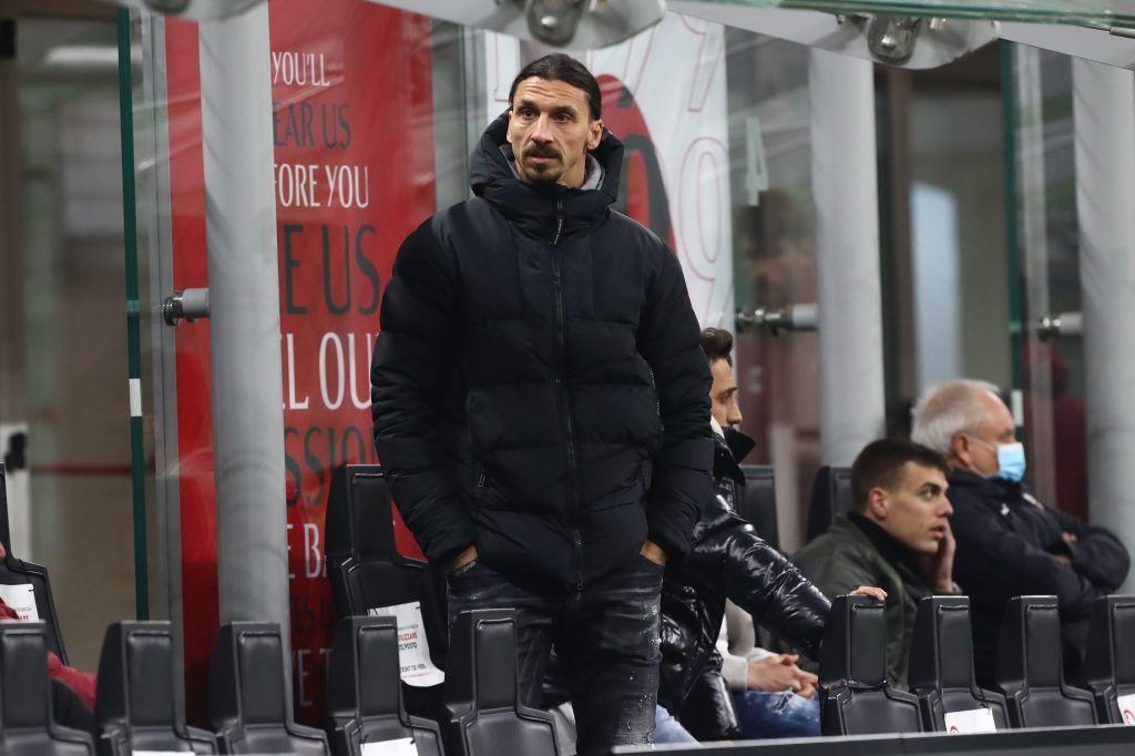Ibrahimovic bị kẹt xe, liều mạng đi 'xe ôm' kịch tính như phim