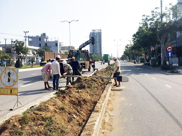 Dự án cải tạo, điều chỉnh tổ chức giao thông trục đường Ngô Quyền – Ngũ Hành Sơn với tổng mức đầu tư 189 tỉ đồng đang được triển khai thi công