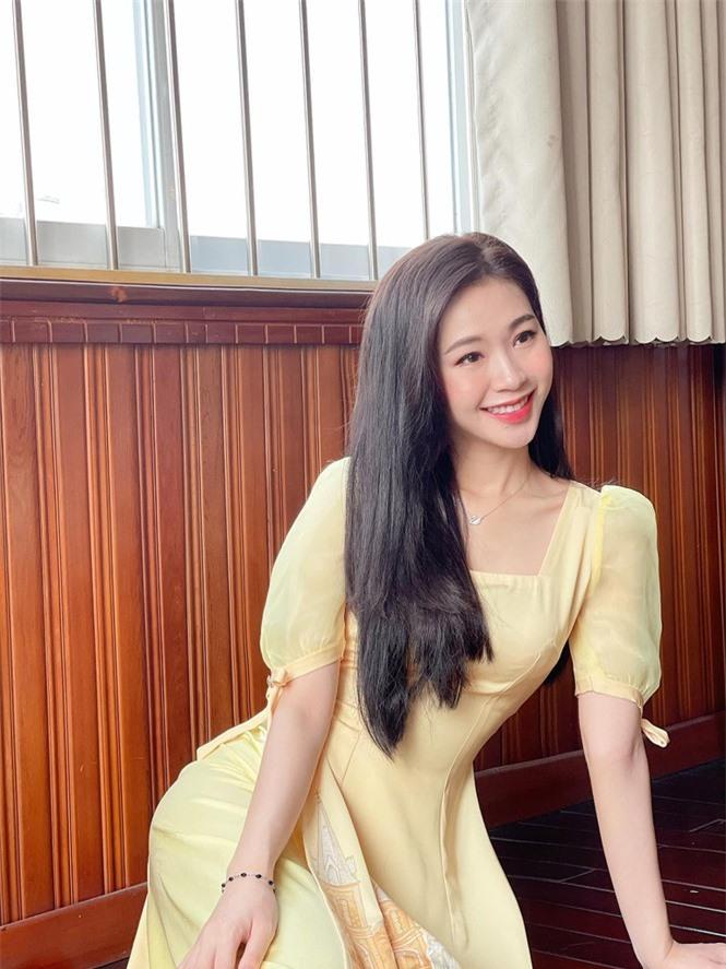 Nhan sắc đời thường đẹp khả ái của 'bản sao' hoa hậu Đặng Thu Thảo - ảnh 10