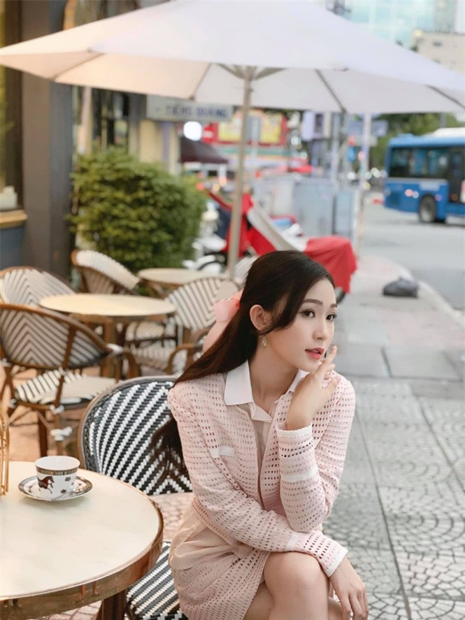 Nhan sắc đời thường đẹp khả ái của 'bản sao' hoa hậu Đặng Thu Thảo - ảnh 11