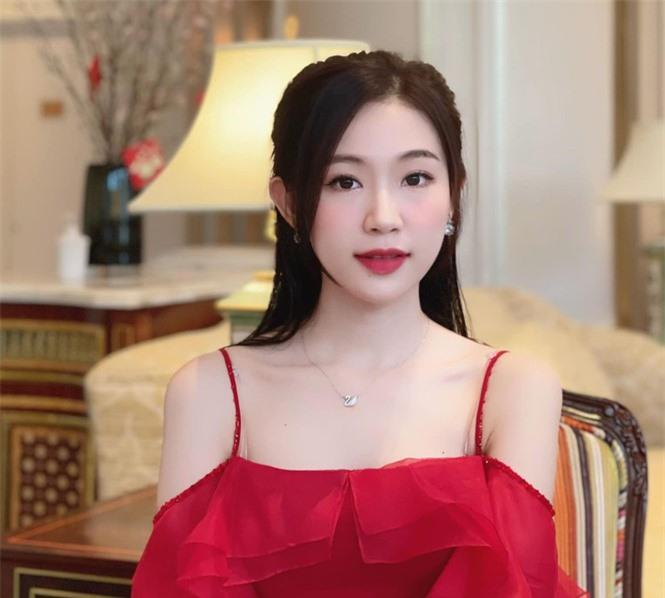 Nhan sắc đời thường đẹp khả ái của 'bản sao' hoa hậu Đặng Thu Thảo - ảnh 3