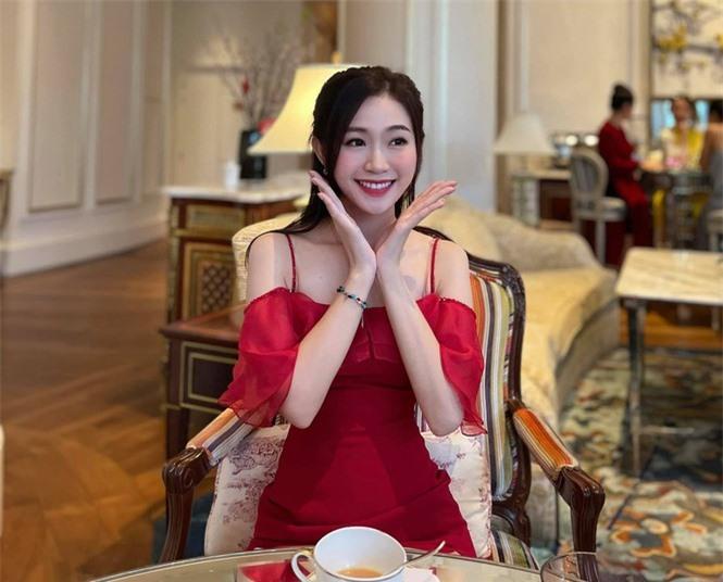 Nhan sắc đời thường đẹp khả ái của 'bản sao' hoa hậu Đặng Thu Thảo - ảnh 5