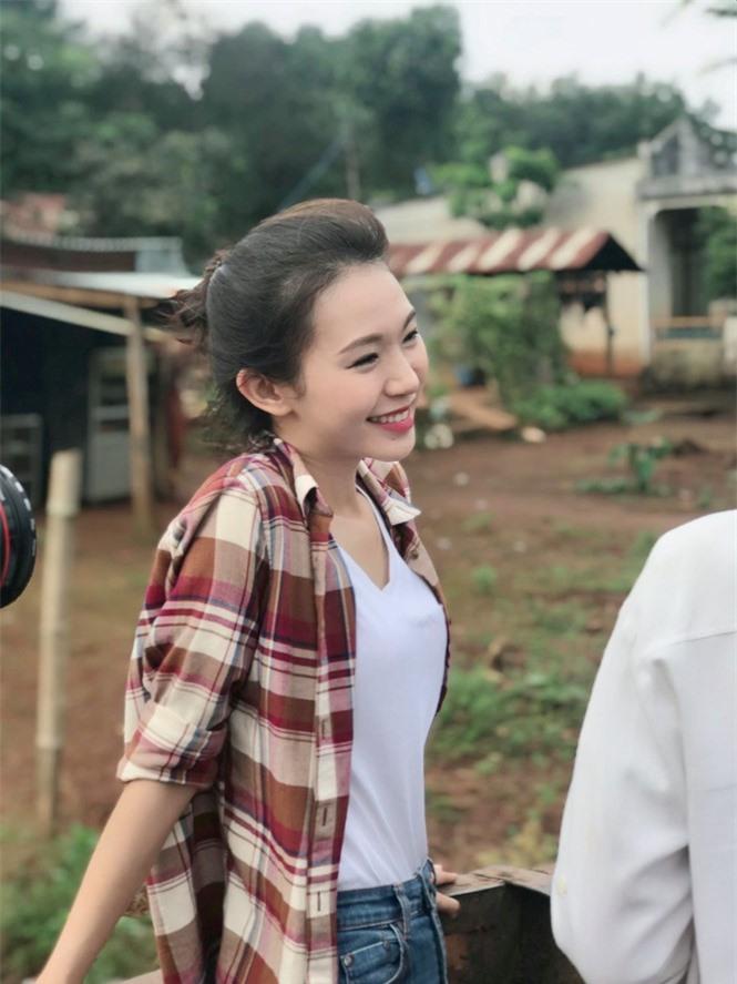 Nhan sắc đời thường đẹp khả ái của 'bản sao' hoa hậu Đặng Thu Thảo - ảnh 6
