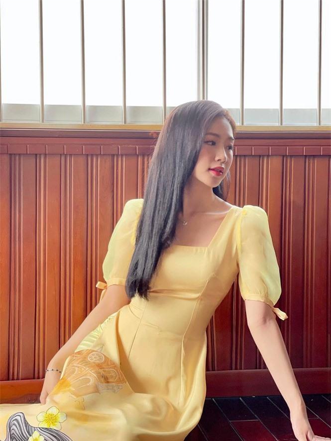 Nhan sắc đời thường đẹp khả ái của 'bản sao' hoa hậu Đặng Thu Thảo - ảnh 9