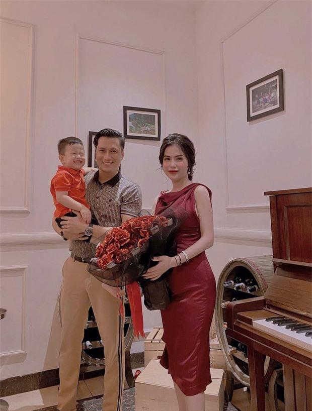 Việt Anh và vợ cũ hội ngộ mừng sinh nhật con trai, nhìn biểu cảm biết ngay tình trạng quan hệ sau ly hôn - Ảnh 5.