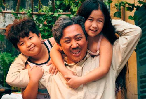 """Diễn viên nhí Ngân Chi – Cầu nối cảm xúc cho Trấn Thành thăng hoa trong """"Bố già"""" bản điện ảnh"""