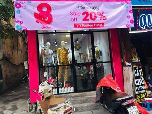 Thị trường quà tặng 8/3: Hoa tươi tăng giá, các nhãn hàng đua nhau tung khuyến mãi lớn