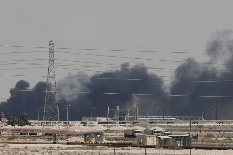 Tên lửa đạn đạo của Iran phá hủy một trong những cơ sở lọc dầu lớn nhất ở Ả Rập Saudi